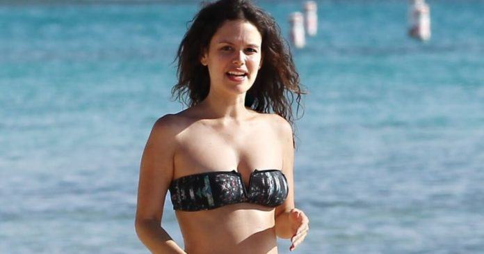 59 Rachel Bilson Sexy Pictures Are Truly Epic