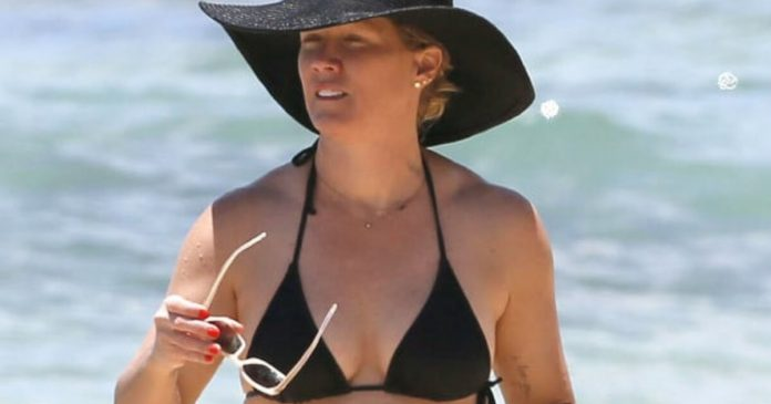 59 Jennie Garth Sexy Pictures Will Make You Fall In Love With Her