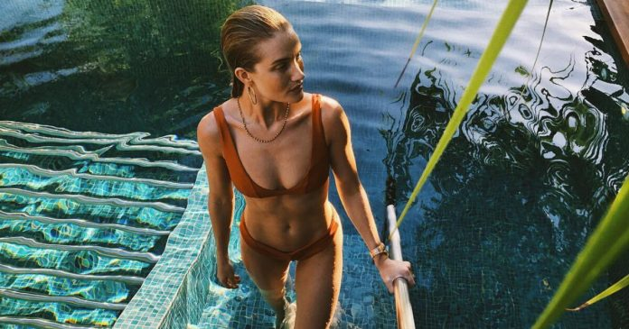 63 Rosie Huntington-Whiteley Sexy Pictures Will Make You Fall In Love With Her