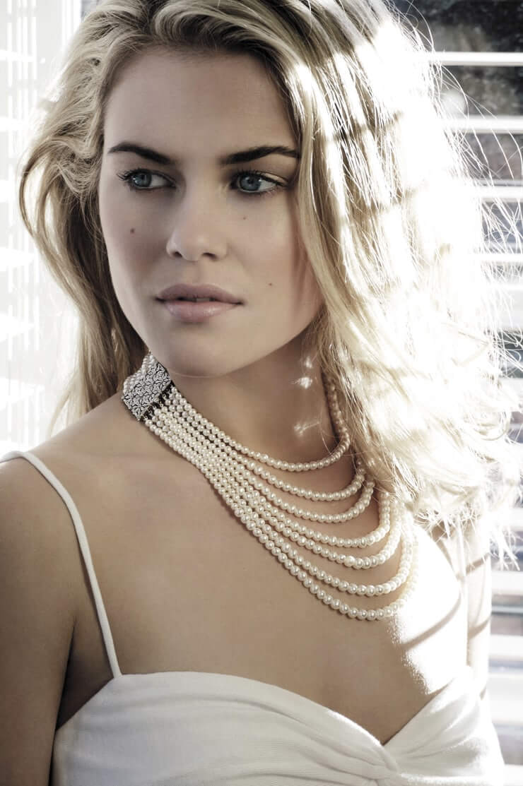 63 Rachael Taylor Sexy Pictures Will Literally Hypnotise